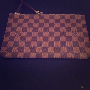 Authentic Louis Vuitton Pochette Neverfull Damier
